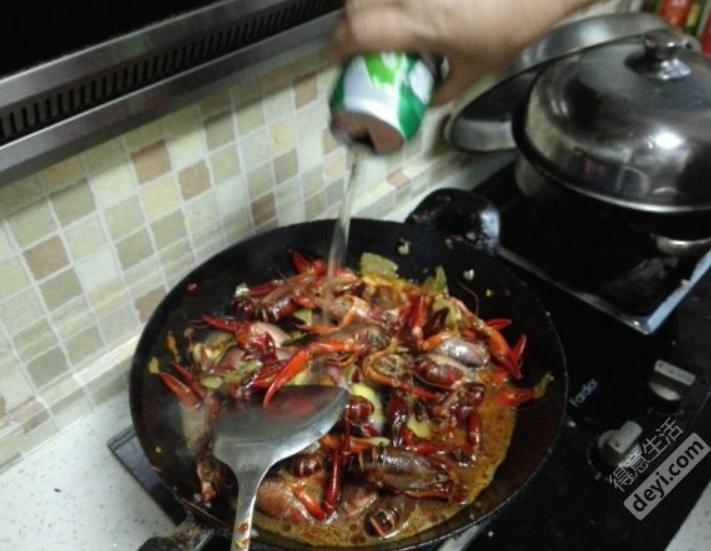 【妙招】武汉吃虾记!在家自己做便宜又卫生!豆瓣酱竟可以让虾更美味!