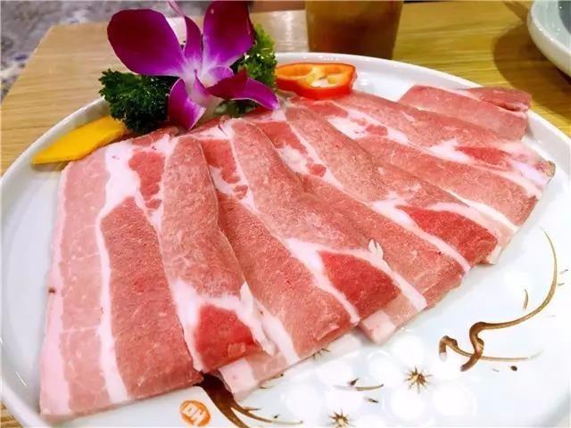 【烤肉】武汉美食千千万,唯有烤肉是真爱,吃肉也是有大大的讲究!