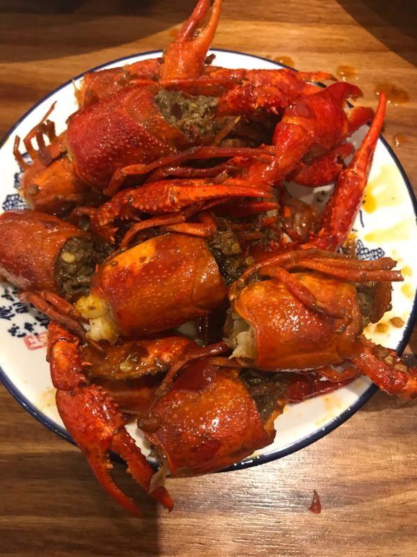 【宵夜】深夜来一份小龙虾,吃的人都好了!