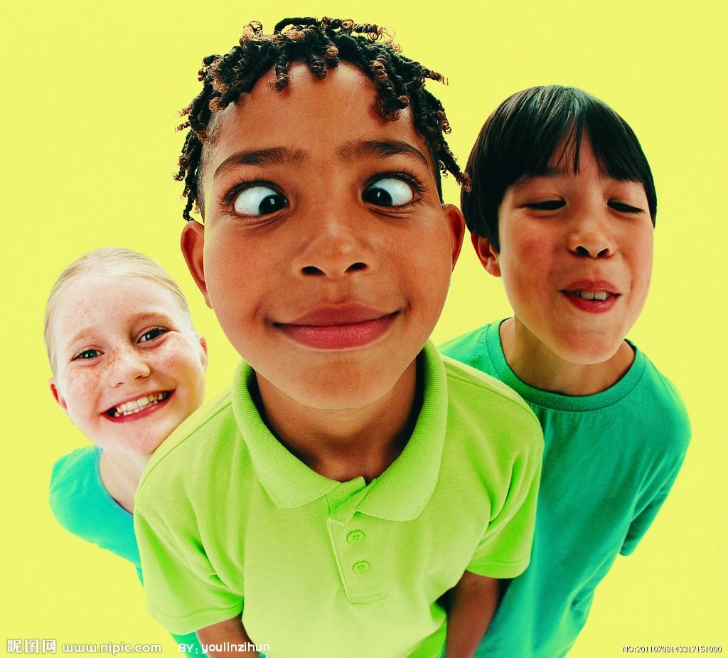 【求助】班上有爱打人的孩子,还往小朋友碗里吐痰,家长有资格集体劝退这种孩子吗?