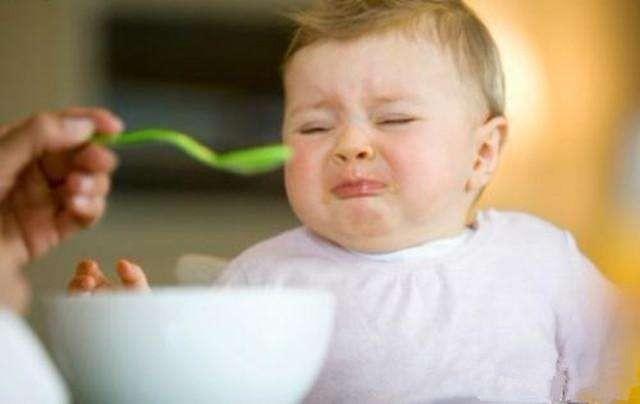 【惊恐】小孩生长发育严重滞后!吃点饭就要发呕,最近手指也在褪皮!