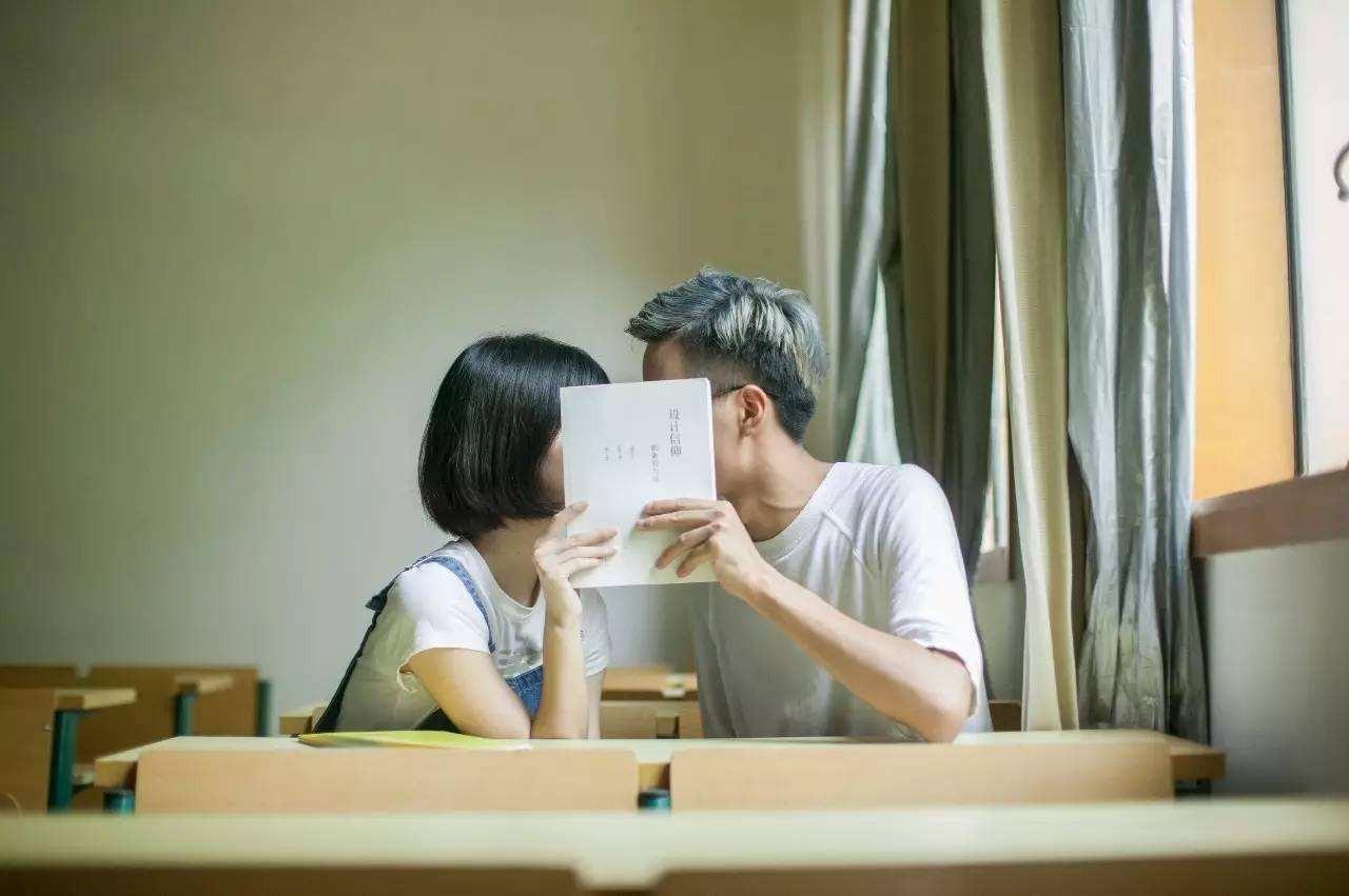 【尴尬】为什么相互喜欢的人到最后都不再主动联系了?