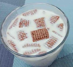 【可口】试了下美剧吃法,玉米片泡牛奶,赞!