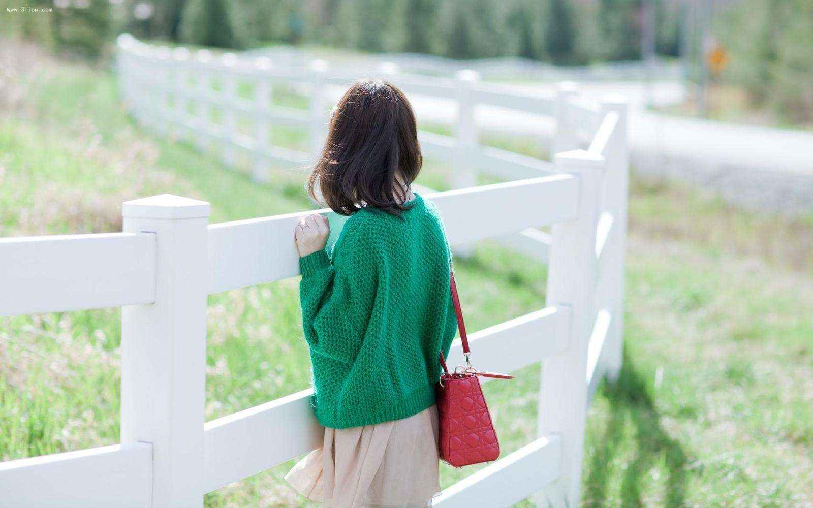 【纠结】心情不好想找人聊聊天,好像还是一个人呆着最舒!