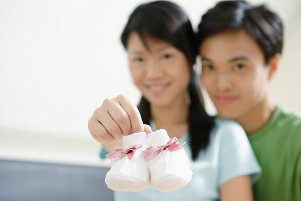 【求教】请问做完孕检当月可以要小孩吗?不做胸透检查,新手求指教!
