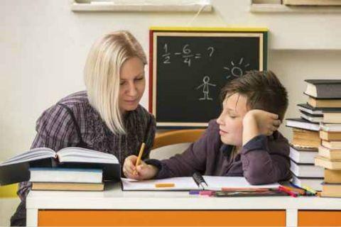 【每日一问】老公想请女大学生家教,直接住家里?