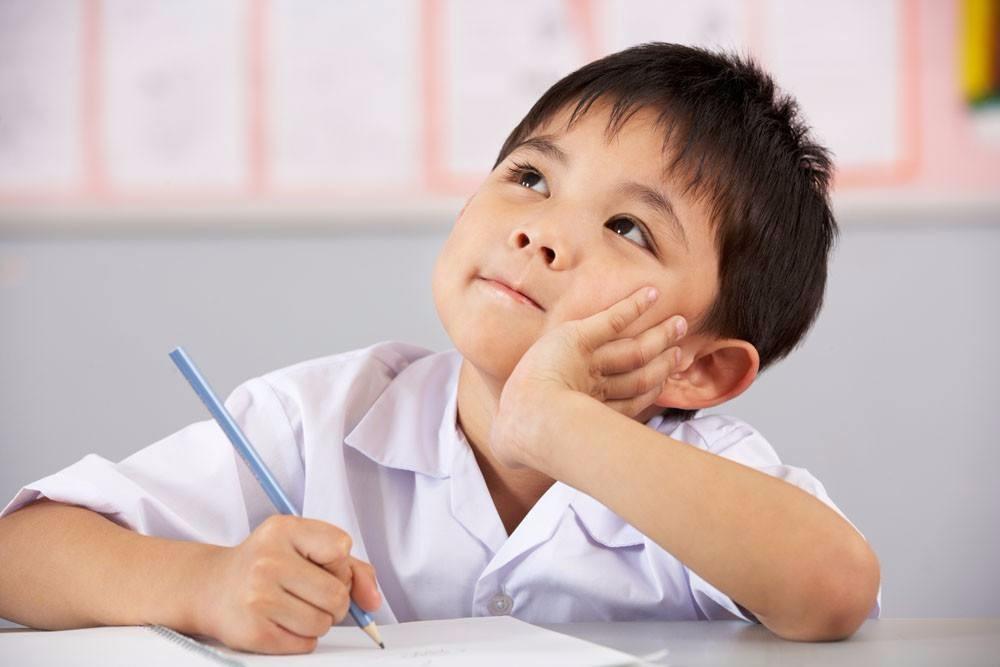 孩子6岁才学英语,我是不是耽误他了,会不会输在起跑线呢?