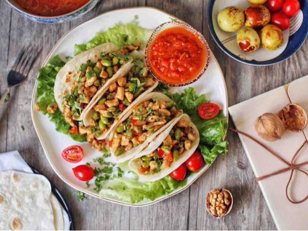 早上来份香喷喷的墨西哥鸡肉卷吧!你们都过早了吗?