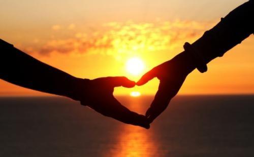 遇见一个疼爱自己的人,都可以把平凡的每一天都当情人节来过!