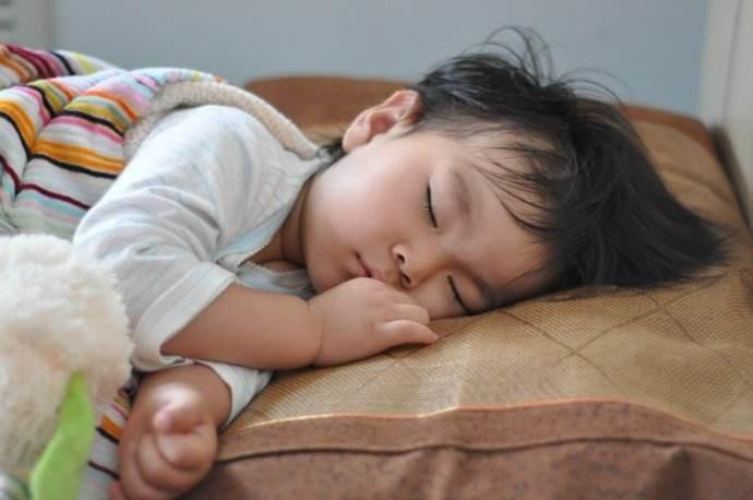 2岁小孩反复高烧住院多次了,武汉哪个医院治疗反复扁桃体炎比较彻底呢?
