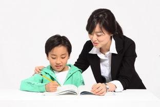 学校布置作业全让家长忙活,老师该不该让家长改作业?