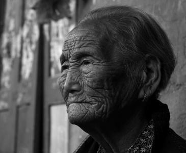 失独老人不能言说的痛,看得泪如雨下!