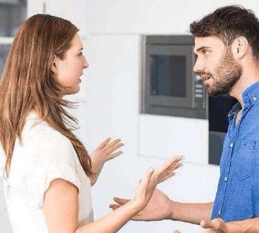 和男友一吵架就提前任的好,感情中就不能学会珍惜和尊重吗?