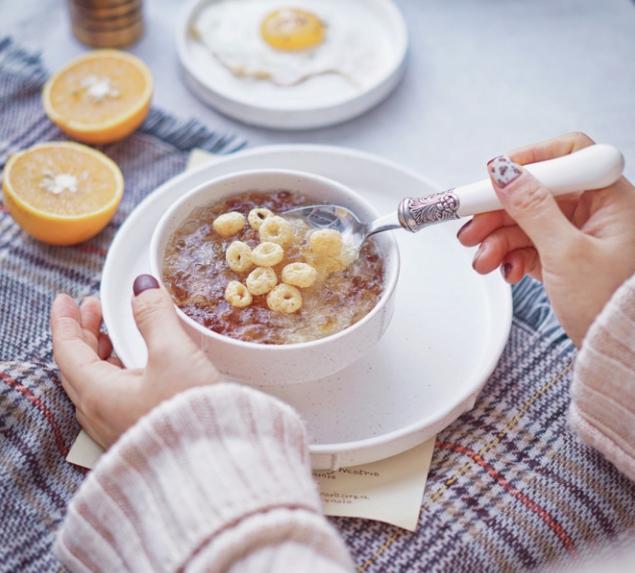 心情丧就来点甜!银耳桃胶前一天晚上就炖好了,早上热热就能吃!