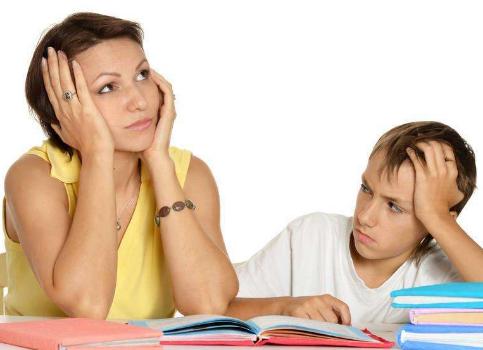 羡慕那些能和老师搞好关系的家长!从不给老师送礼,更不会在群里拍马屁!
