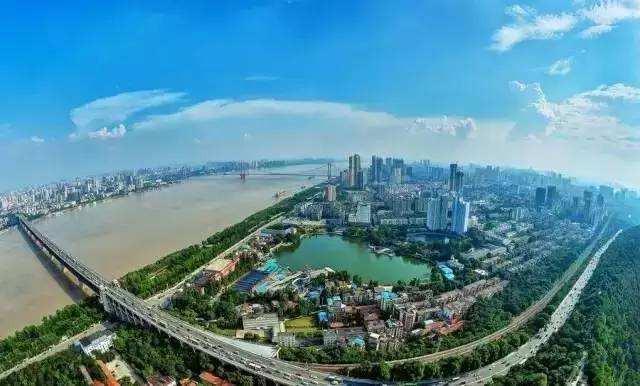 【每日一问】武汉买房两个极端现象,外地的觉得太便宜?本地的觉得太贵?