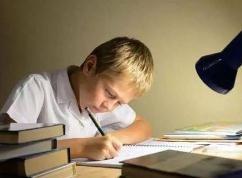 辅导熊孩子写作业结果成了自己学习,大家辅导孩子写作业有哪些趣事?