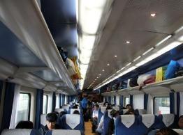 过年要坐20多个小时火车回家,求推荐在火车上容易携带的美食呗!