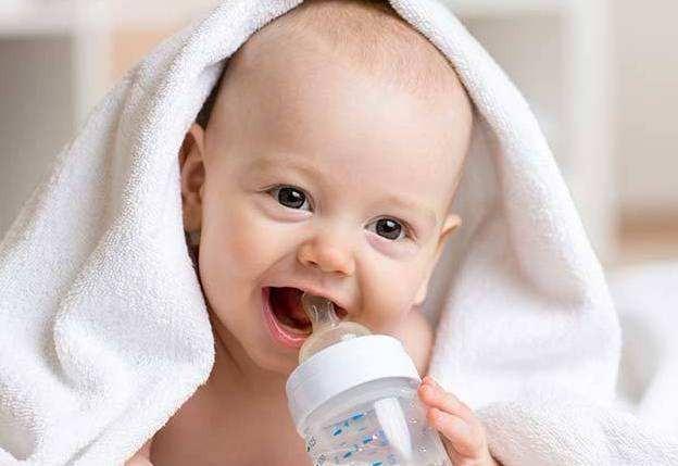 宝宝满六个月了能继续吃1段奶粉吗?现在有点纠结!