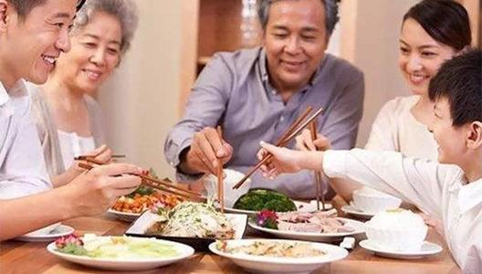 老爸来武汉的这段时间我起码涨了10斤肉!家有老人的喜与忧你们有吗?