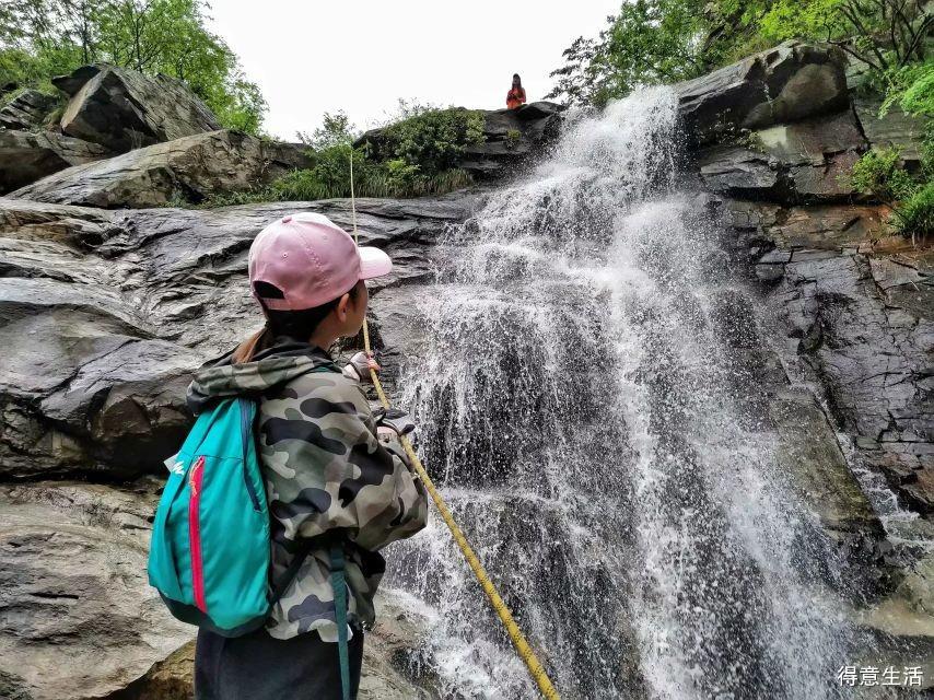 武汉周边游,登山看瀑布,三天门瀑布群!
