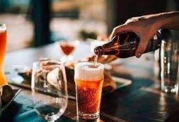 你有没有一个只要喝多了酒就情不自禁想起来的人?