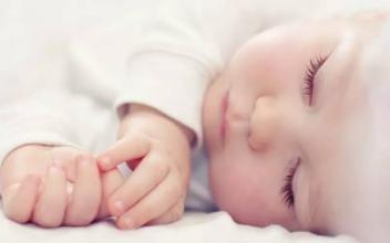 二宝一直有吃夜奶的习惯,到点就醒,11月大了该怎么戒啊?