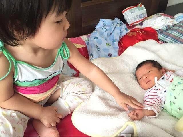 二胎妈妈的精力该怎么分配? 感觉大宝越来越不和我亲近了!