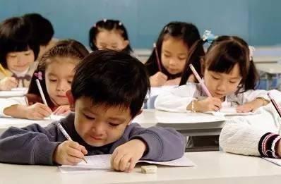 现在是不是不让学校办兴趣班了?你们娃的幼儿园也这样吗?