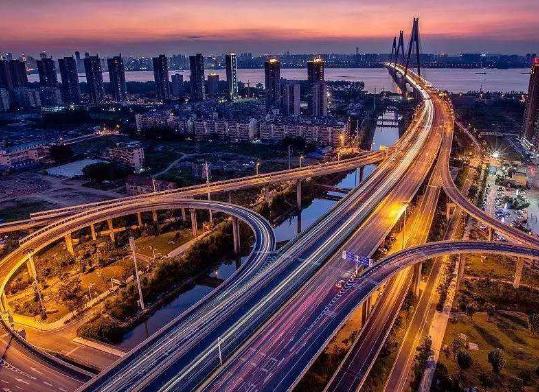 二十年过去,武汉市地位真的上升了?以前周边省市都围着武汉转现在大不一样!