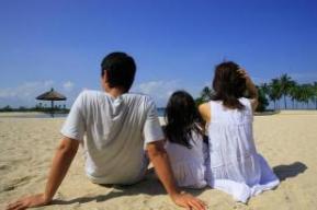 一直隐瞒我离婚再婚怀孕的事情,我妈在这个状态让我很为难!