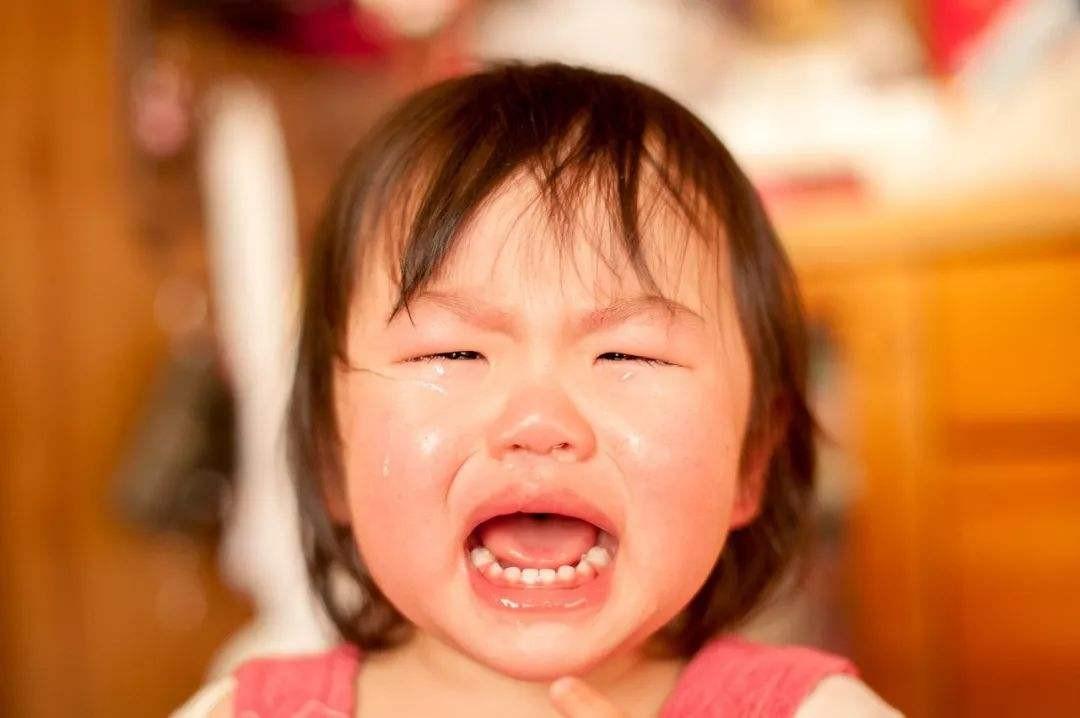 两岁九个月小孩最近怎么了?一不如意就哭,真的很烦人啊!