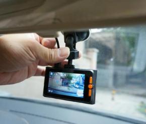 开车9年没有用过行车记录仪,这次换新车,求推荐性价比高的行车记录仪!