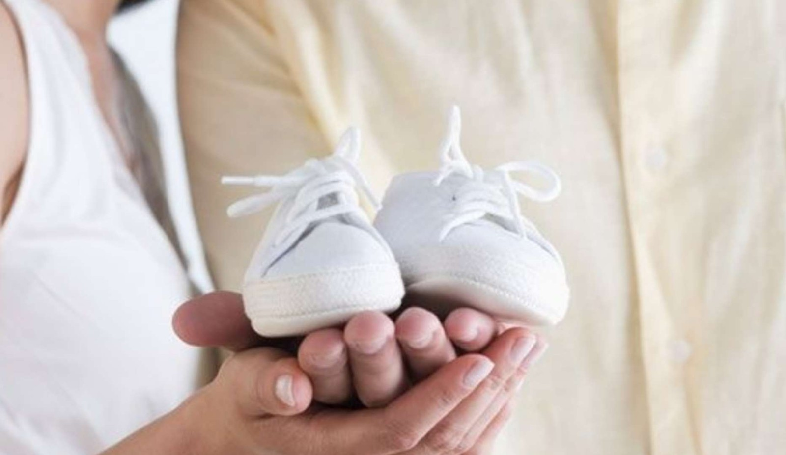 男友家8月提亲,却要我现在就备孕,我不同意就生气了,大家咋看未婚先孕?