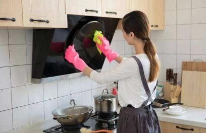 老婆没什么爱好除了上班就是在家做家务,娶了个爱做家务的老婆,真郁闷!
