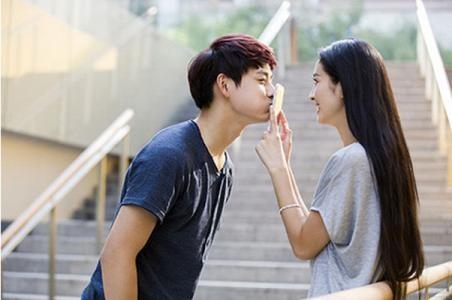 感觉自己不适合谈恋爱!现在女生谈朋友是不是都要男生跪舔?