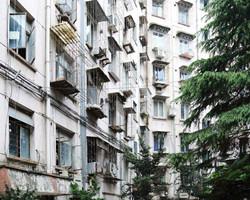 武昌内环有地铁有学区值得买吗?但06年的房子会不会很老?