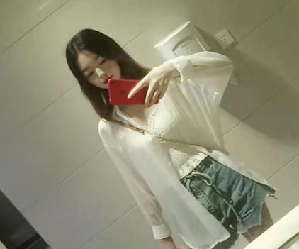 【每日交友】22岁宜昌小姐姐,身高166,会简单的家常菜,找个顾家的男票!