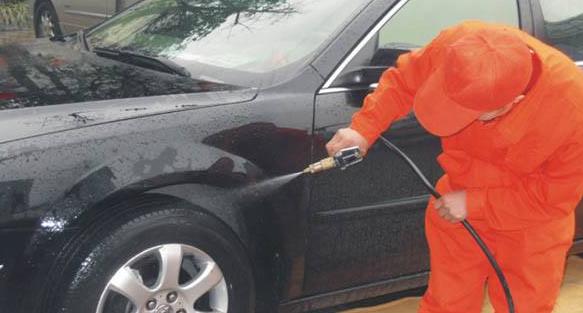 车子被传单刮伤,洗车的时候被怀疑车不是我自己的,我很无语!