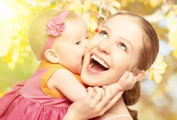 借得意生活记录下超快生娃体验,和温馨的母乳时光!