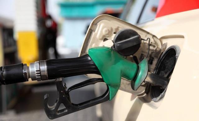 汽车节油小知识:自认省油其实费油的这些行为,你中了几种?