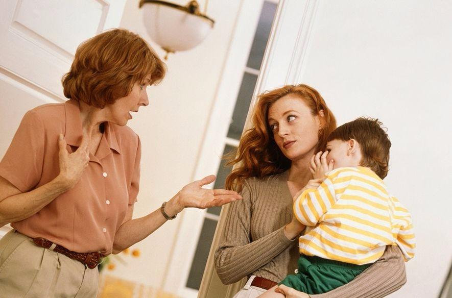 婆婆提出和我们同住,但我和婆婆相处不好,好压抑,还能改变我们的关系吗?
