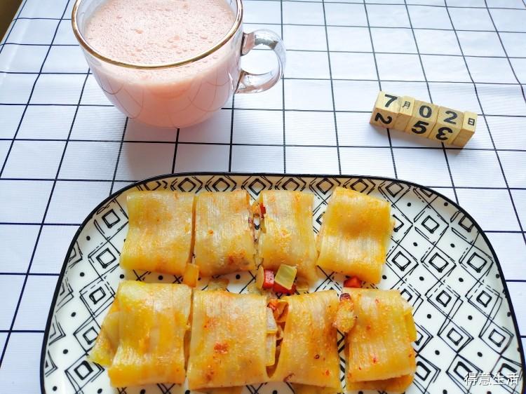 【闹妈快手早餐】洋葱火腿肠鸡蛋冷面+西瓜奶昔,学起来!