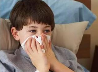 我家娃去年上幼儿园后就不停的上呼吸道感染,还能上幼儿园吗?