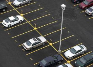 哪个拐子知道解放大道解放中学附近,哪里过夜停车比较便宜啊?