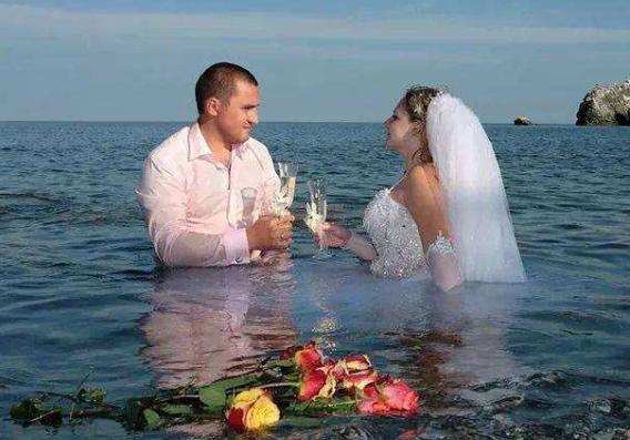 拍完婚纱照的扎心效果,满腔信任和期待,就是这鬼样子!