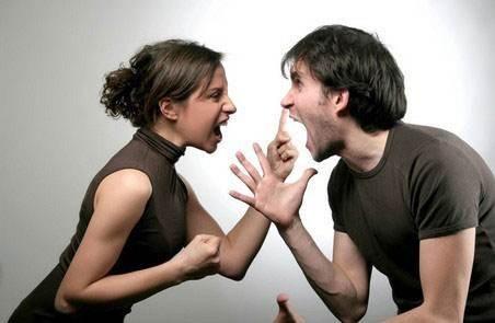 我跟男朋友刚吵架了,感觉他不是真的爱我,我该怎么办?