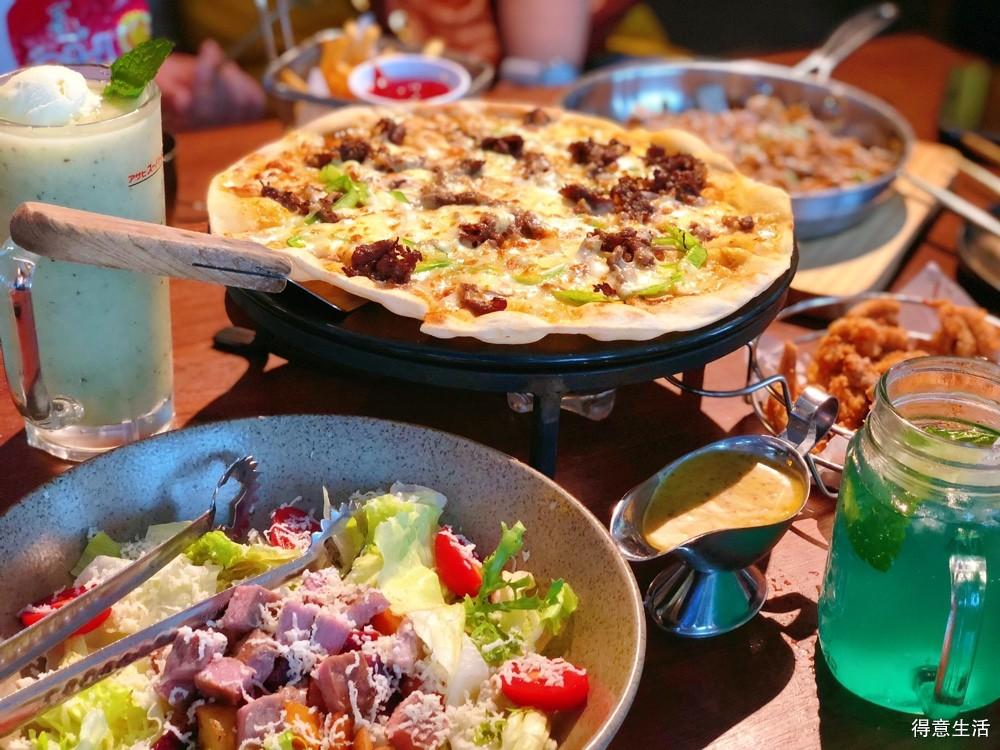 安利这家薄底披萨店,颜值在线,性价比高,味道也是超级赞!