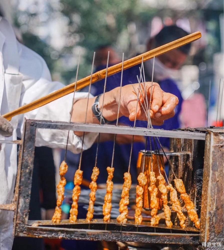 30年的武汉老店在此,羊肉串美味烧烤+藤椒花甲+米酒1壶,虚浮!