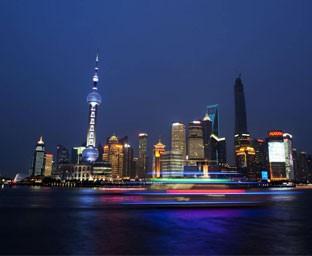 一线城市抢人战,这四所高校应届毕业生可直接落户上海!